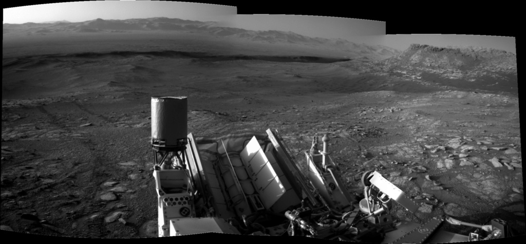 [Curiosity/MSL] L'exploration du cratère Gale (3/3) - Page 3 Pano11