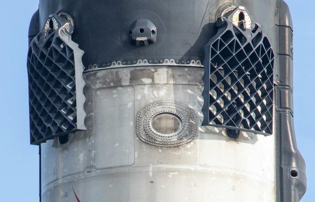 Falcon 9 (Starlink V1. 0 L11)- KSC - 3.9.2020 [Succès] - Page 3 Scre1542