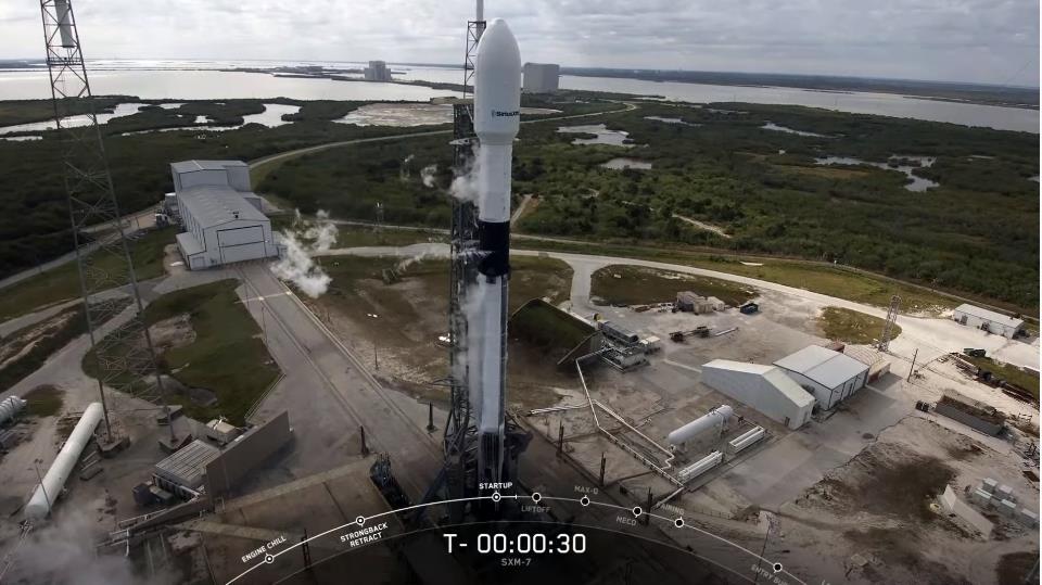 Falcon 9 (Sirius XM-7) - CCAFS - 13.12.2020 Scre1711