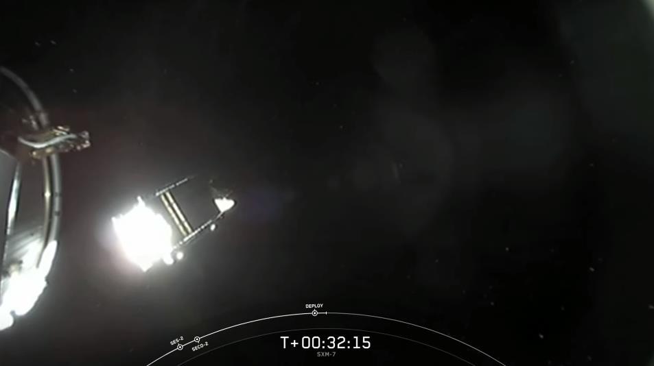 Falcon 9 (Sirius XM-7) - CCAFS - 13.12.2020 - Page 3 Scre1722
