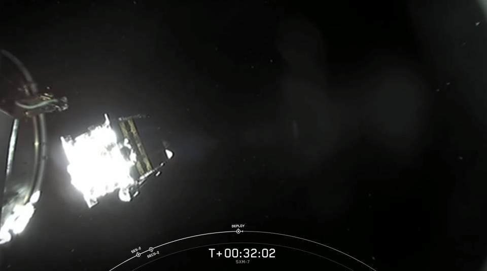 Falcon 9 (Sirius XM-7) - CCAFS - 13.12.2020 - Page 3 Scre1723