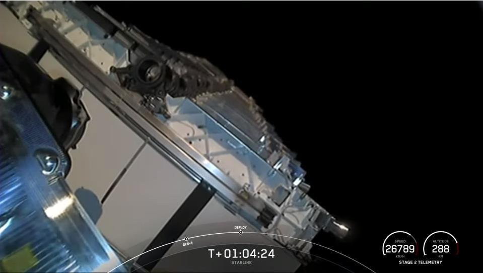Falcon 9 (Starlink v1.0 L27) - CCAFS - 9.5.2021 Scre1976