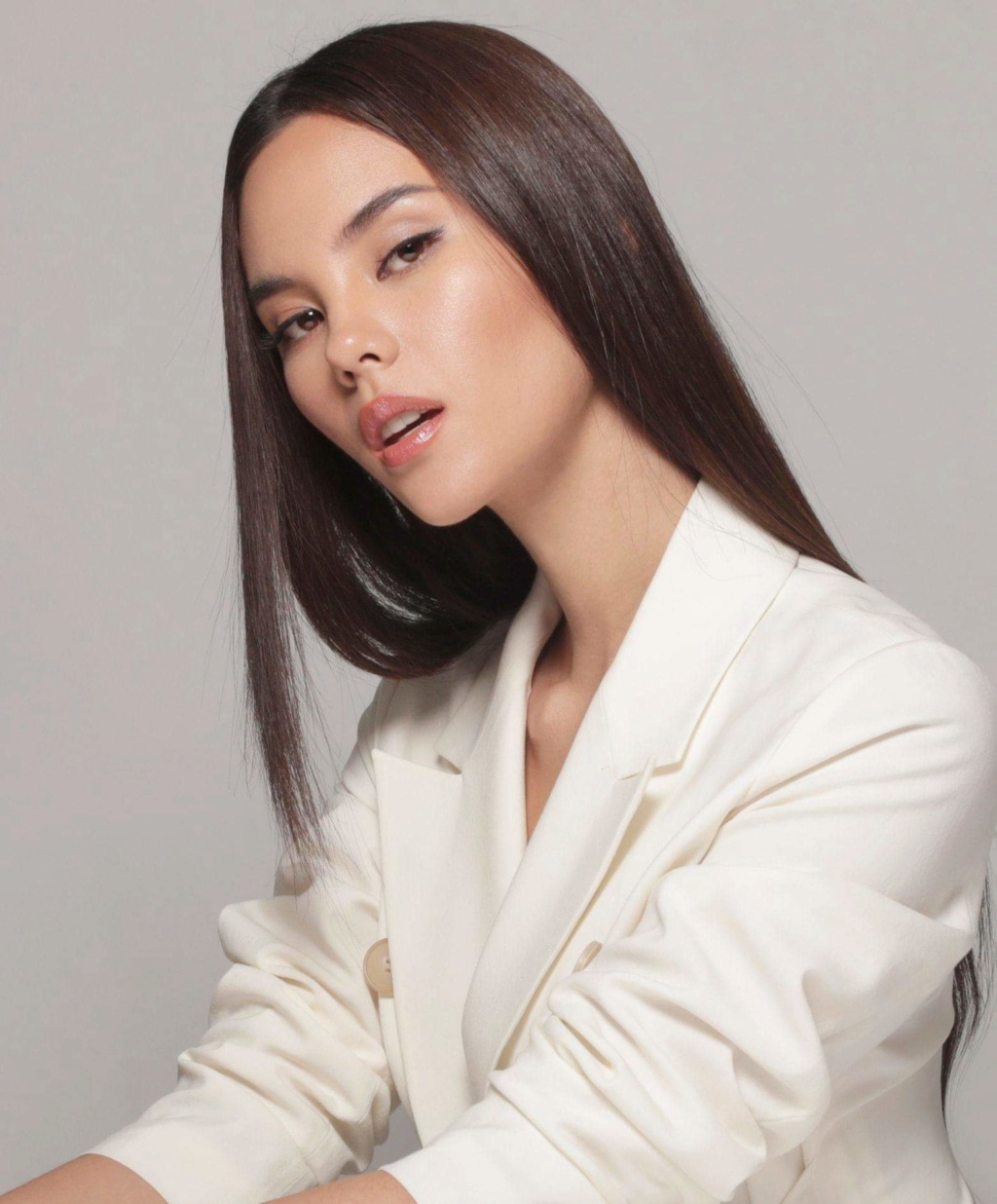 ♔ The Official Thread of MISS UNIVERSE® 2018 Catriona Gray of Philippines ♔ - Page 19 Fb_10494