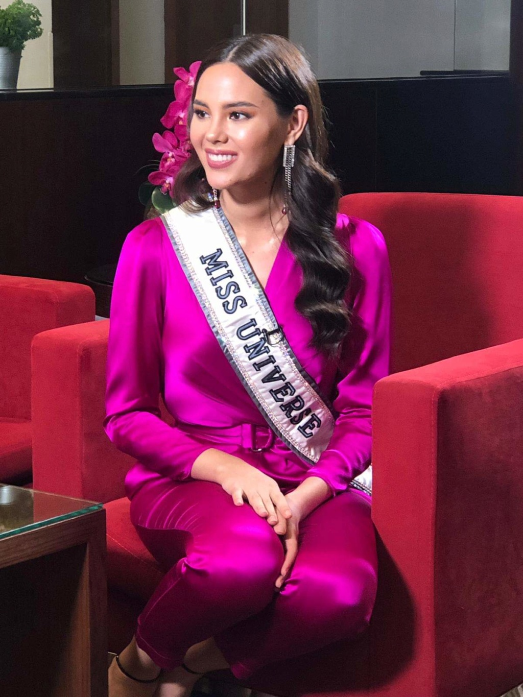 ♔ The Official Thread of MISS UNIVERSE® 2018 Catriona Gray of Philippines ♔ - Page 19 Fb_10811