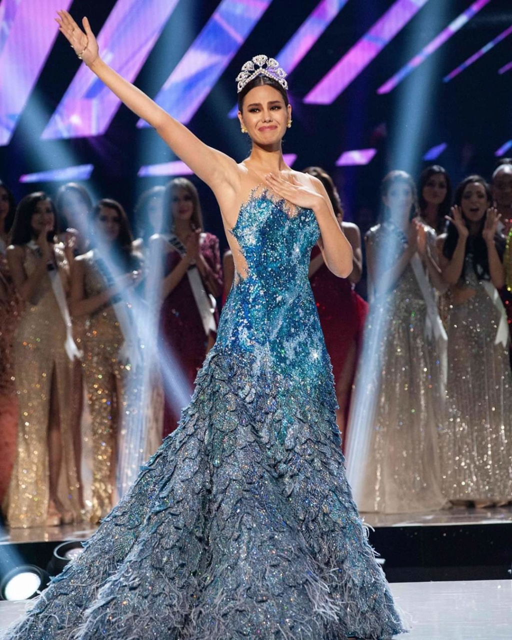 ♔ The Official Thread of MISS UNIVERSE® 2018 Catriona Gray of Philippines ♔ - Page 21 Fb_14365