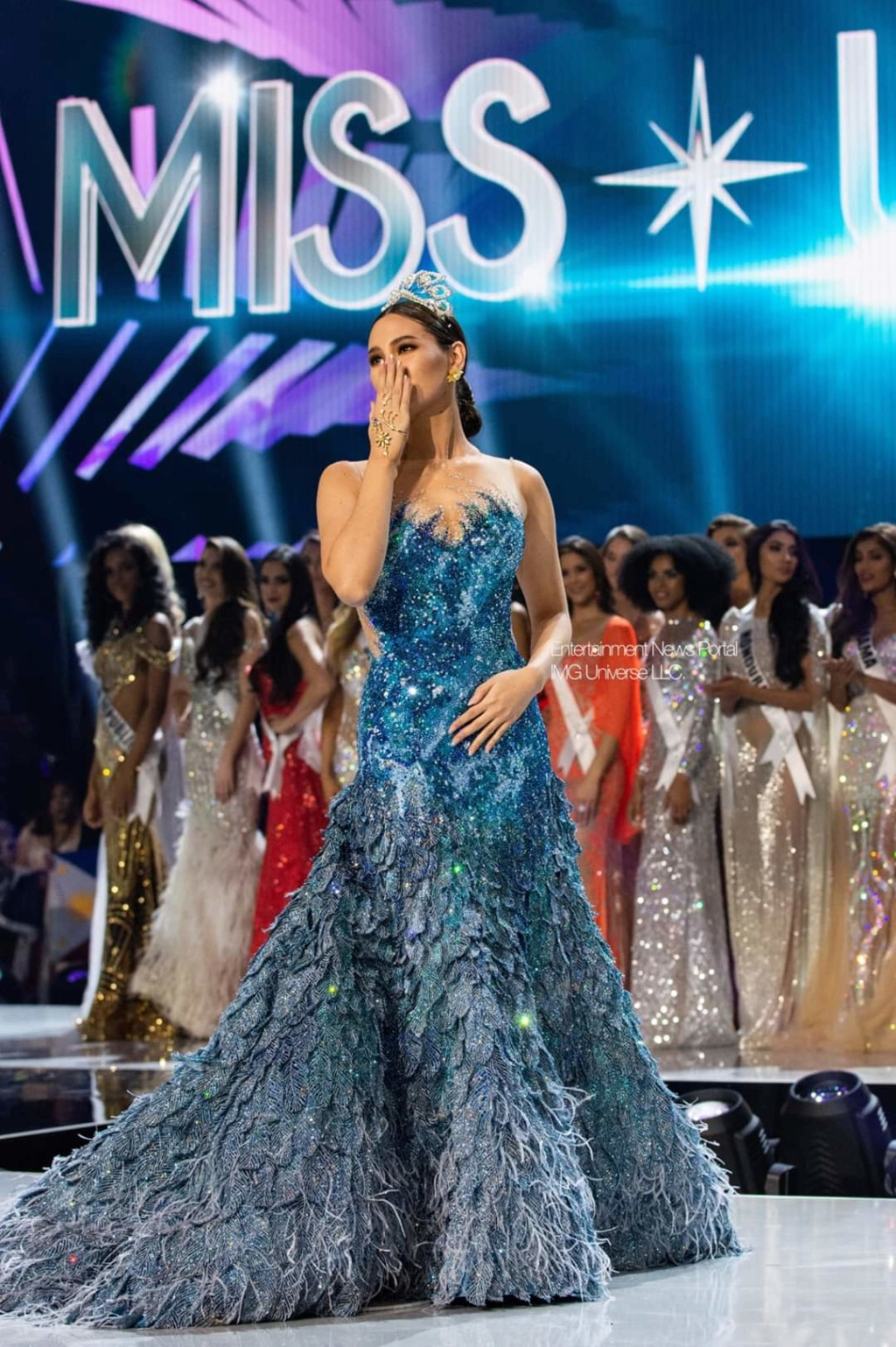 ♔ The Official Thread of MISS UNIVERSE® 2018 Catriona Gray of Philippines ♔ - Page 21 Fb_14379