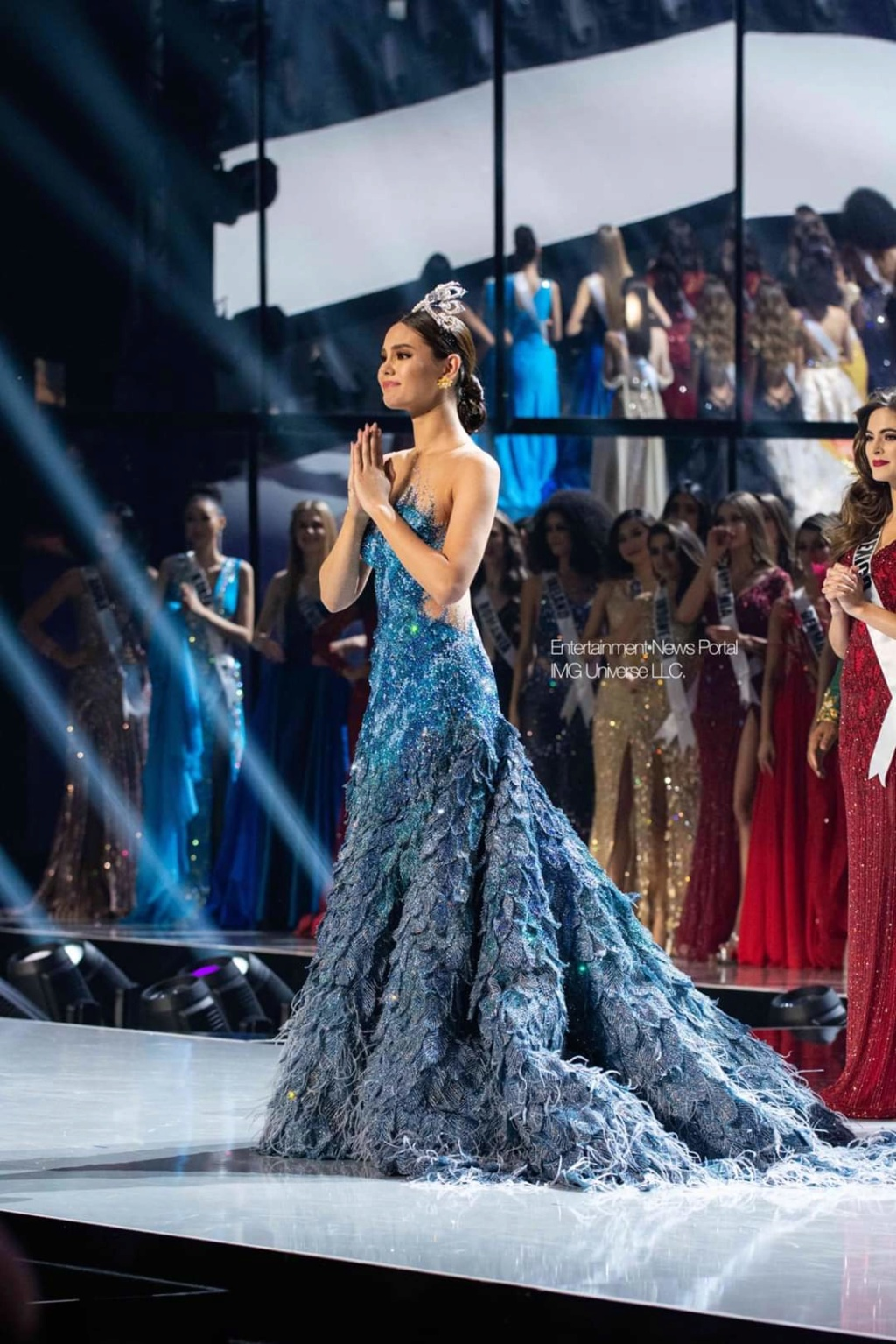 ♔ The Official Thread of MISS UNIVERSE® 2018 Catriona Gray of Philippines ♔ - Page 21 Fb_14380