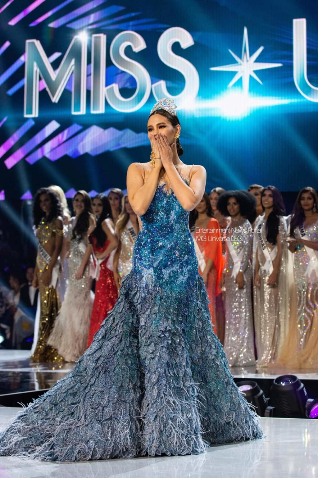 ♔ The Official Thread of MISS UNIVERSE® 2018 Catriona Gray of Philippines ♔ - Page 21 Fb_14383