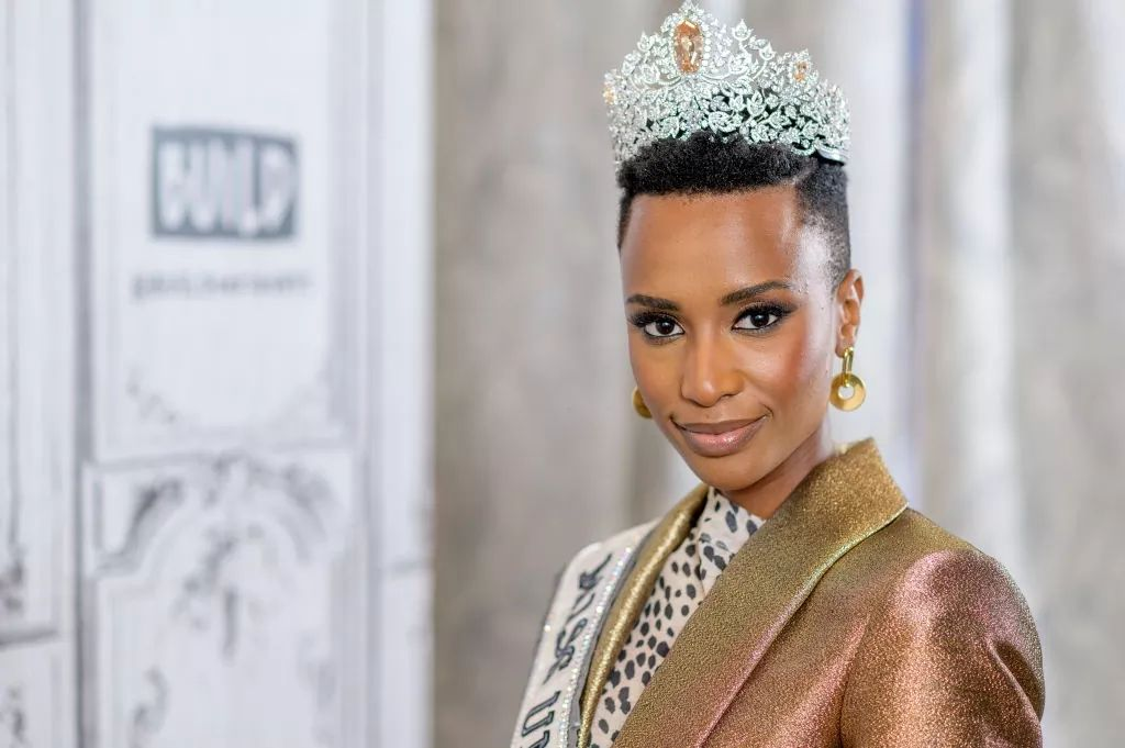 The Official Thread Of Miss Universe 2019 : Zozibini Tunzi of South Africa - Page 2 Fb_14731