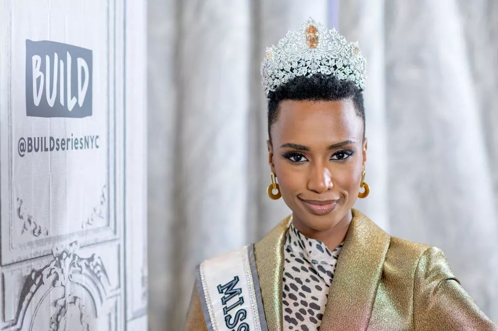 The Official Thread Of Miss Universe 2019 : Zozibini Tunzi of South Africa - Page 2 Fb_14732
