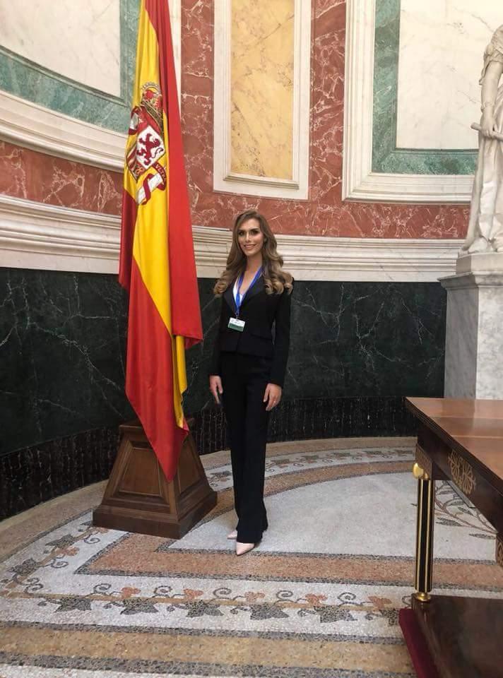 Ángela Ponce (SPAIN 2018) - Page 3 Fb_i1102