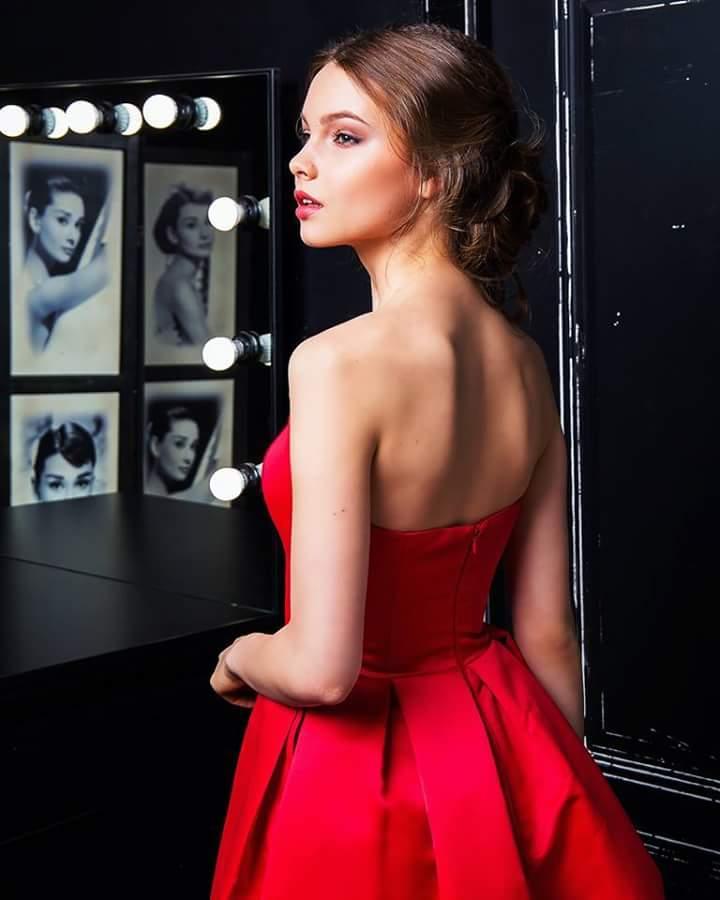 MISS RUSSIA 2018: Yulia Polyachikhina - Page 3 Fb_i1899
