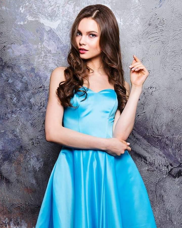 MISS RUSSIA 2018: Yulia Polyachikhina - Page 3 Fb_i1900