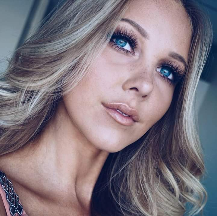 Round 42nd : Miss Universe Sweden 2018 Fb_i1960