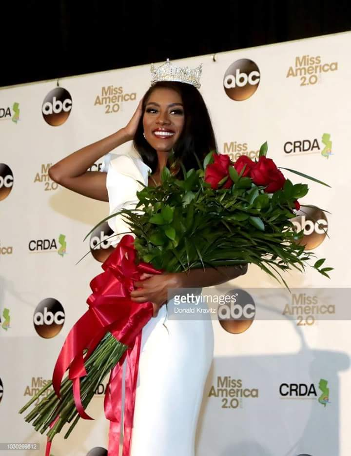 Miss America 2019 Nia Franklin Fb_i2030