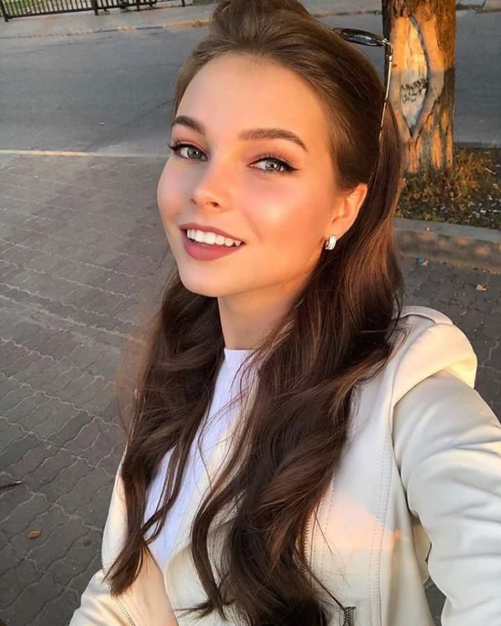 MISS RUSSIA 2018: Yulia Polyachikhina - Page 3 Fb_i2419