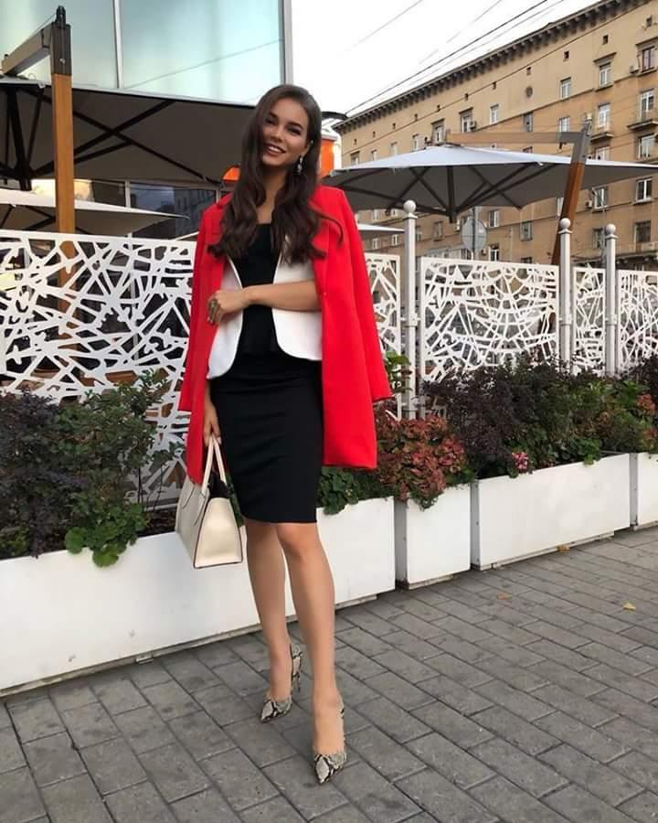 MISS RUSSIA 2018: Yulia Polyachikhina - Page 3 Fb_i2433