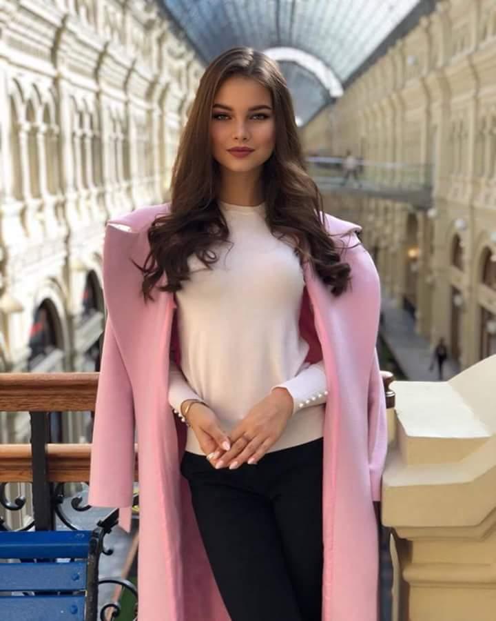 MISS RUSSIA 2018: Yulia Polyachikhina - Page 3 Fb_i2434