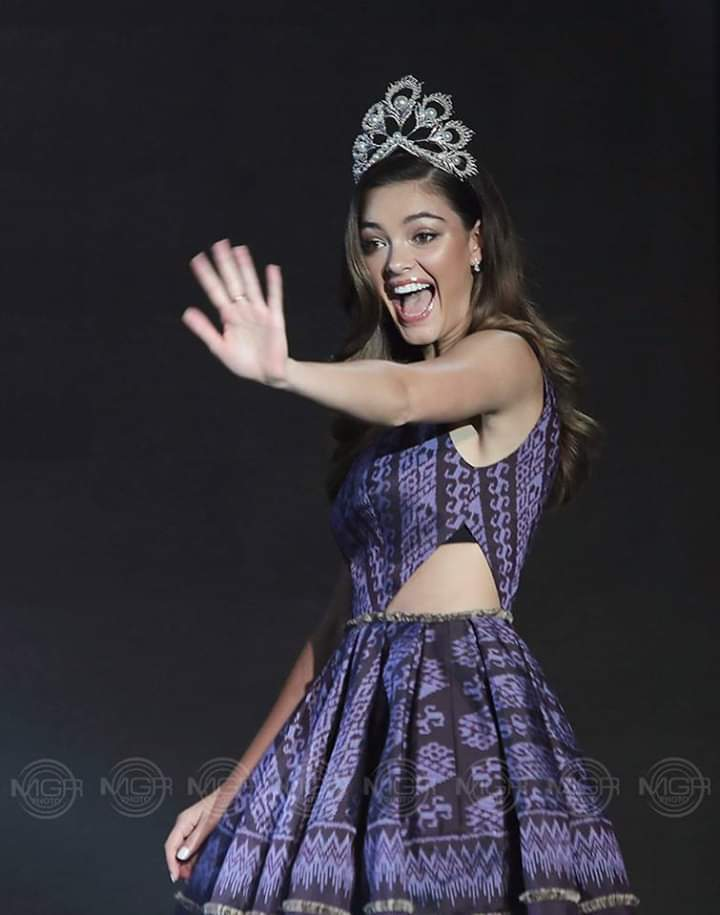 ♔ The Official Thread of MISS UNIVERSE® 2017 Demi-Leigh Nel-Peters of South Africa ♔ - Page 15 Fb_i3985