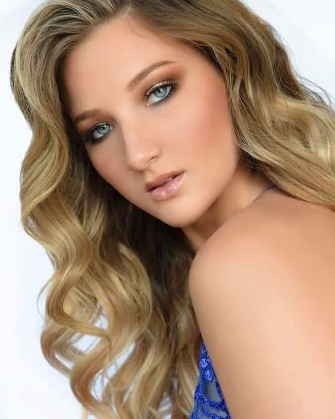 Bethany Garrow (VERMONT 2019) Fb_i4583