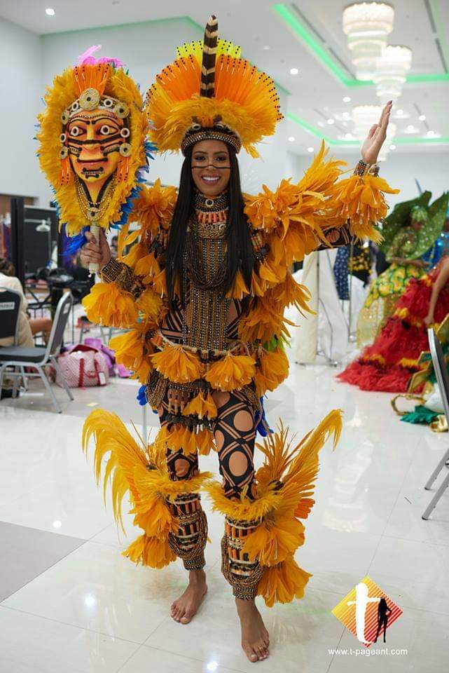 Miss Universe 2018 @ NATIONAL COSTUMES - Photos and video added - Page 7 Fb_i5769
