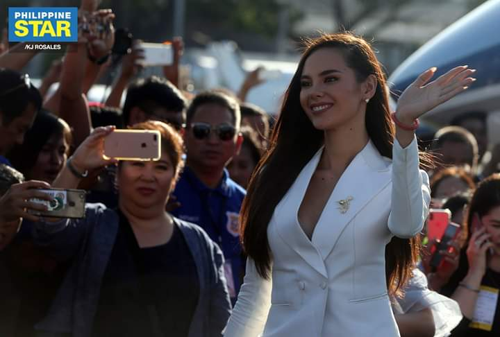 ♔ The Official Thread of MISS UNIVERSE® 2018 Catriona Gray of Philippines ♔ - Page 2 Fb_i6062