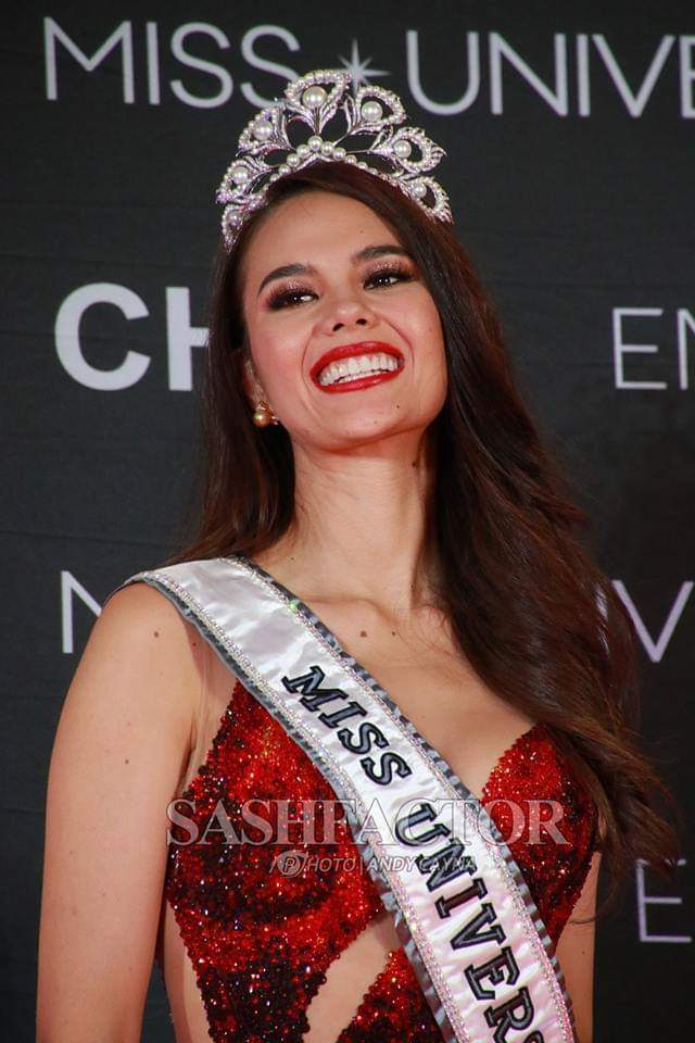 ♔ The Official Thread of MISS UNIVERSE® 2018 Catriona Gray of Philippines ♔ - Page 2 Fb_i6070