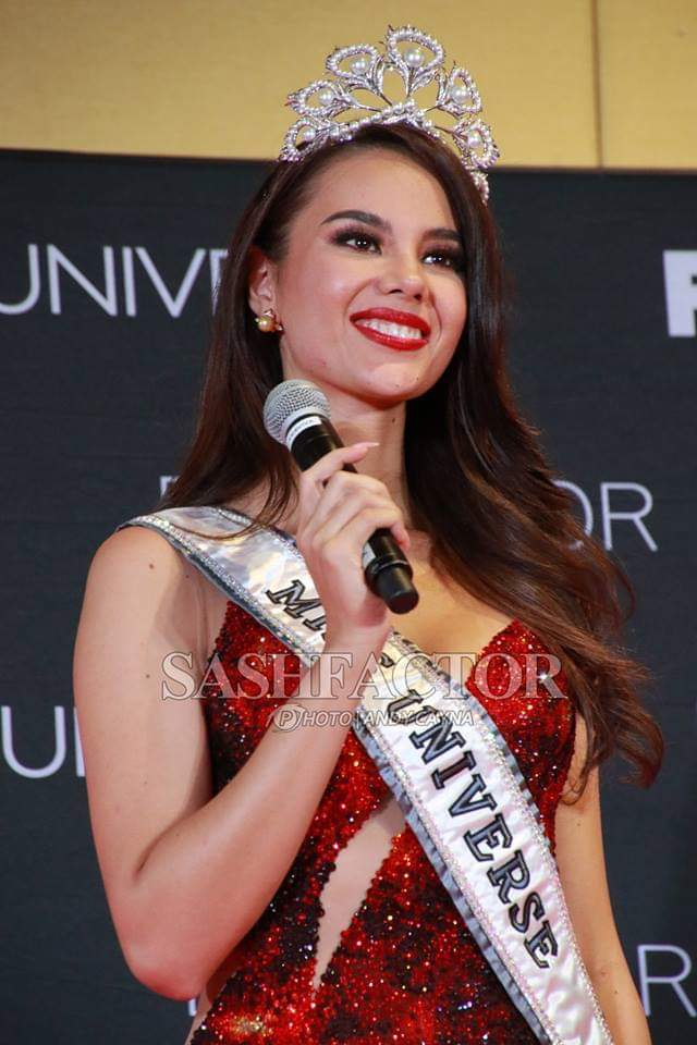♔ The Official Thread of MISS UNIVERSE® 2018 Catriona Gray of Philippines ♔ - Page 2 Fb_i6072