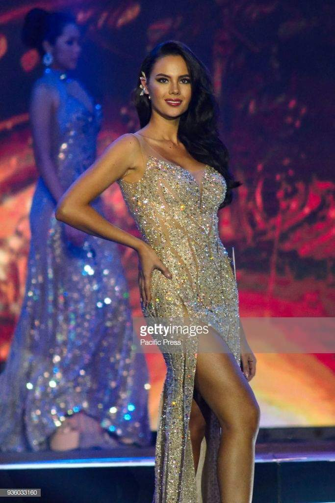 ♔ The Official Thread of MISS UNIVERSE® 2018 Catriona Gray of Philippines ♔ - Page 2 Fb_i6080