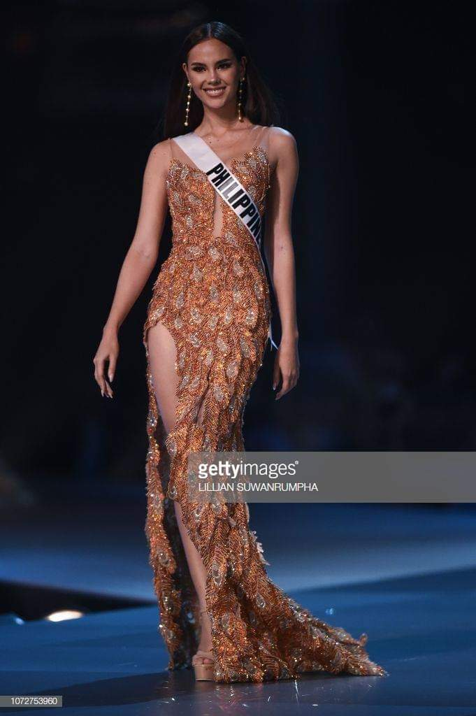♔ The Official Thread of MISS UNIVERSE® 2018 Catriona Gray of Philippines ♔ - Page 2 Fb_i6081