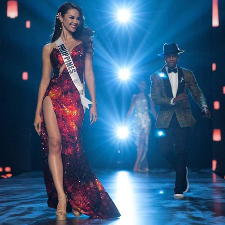 ♔ The Official Thread of MISS UNIVERSE® 2018 Catriona Gray of Philippines ♔ - Page 2 Fb_i6087