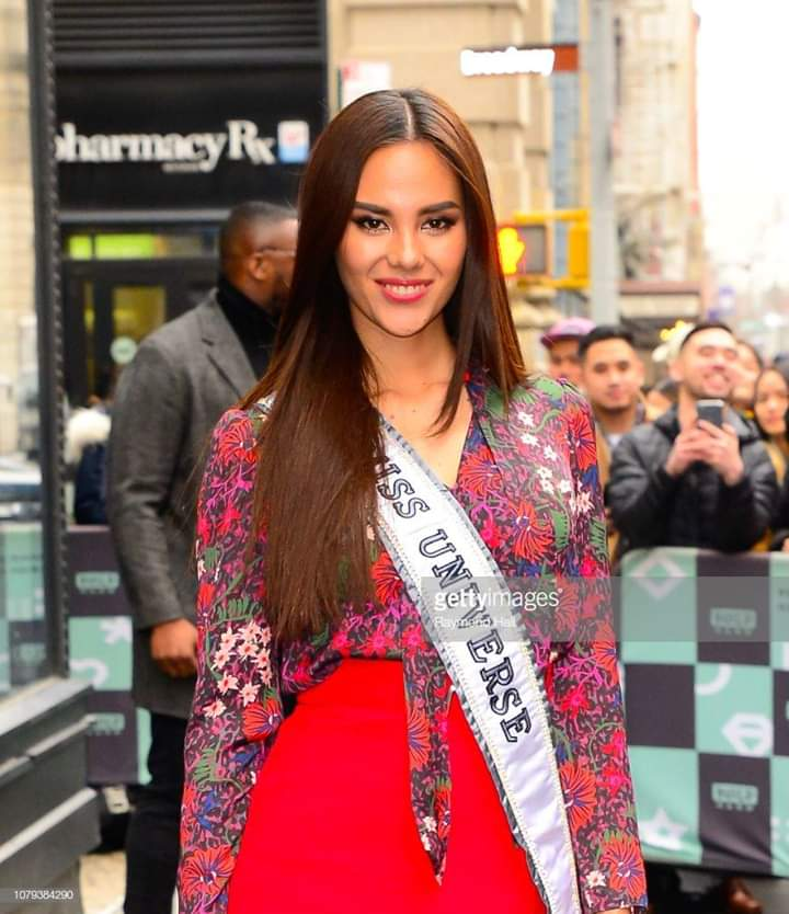 ♔ The Official Thread of MISS UNIVERSE® 2018 Catriona Gray of Philippines ♔ - Page 5 Fb_i6327