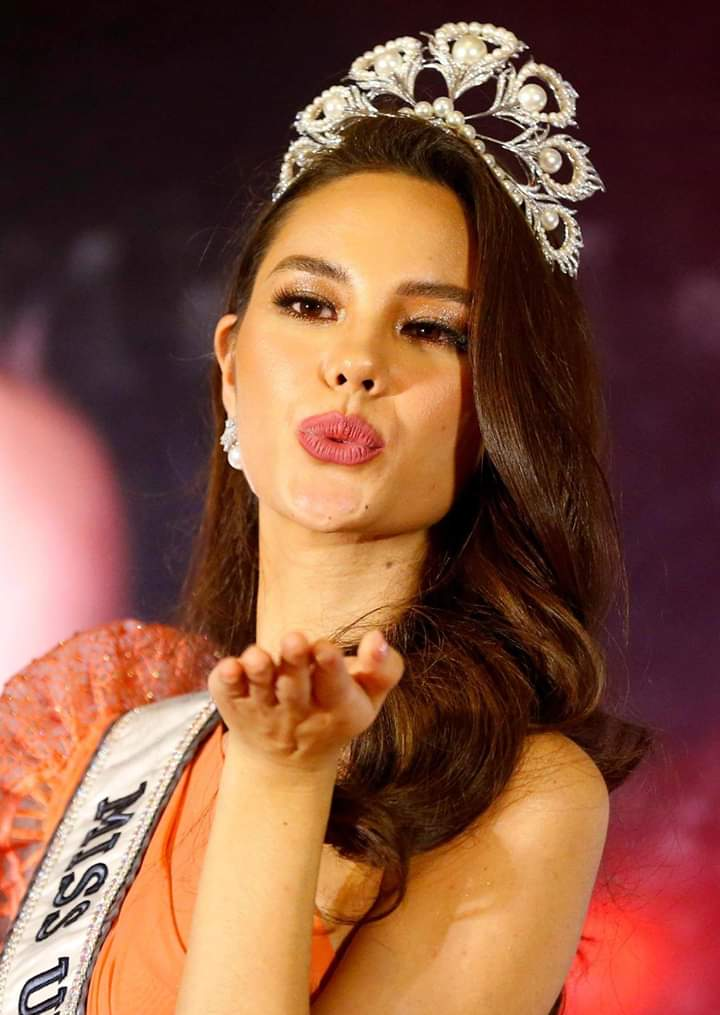 ♔ The Official Thread of MISS UNIVERSE® 2018 Catriona Gray of Philippines ♔ - Page 10 Fb_i7045