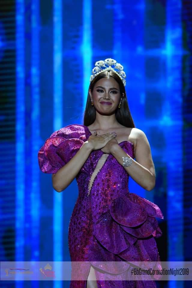 ♔ The Official Thread of MISS UNIVERSE® 2018 Catriona Gray of Philippines ♔ - Page 16 Fb_i8999