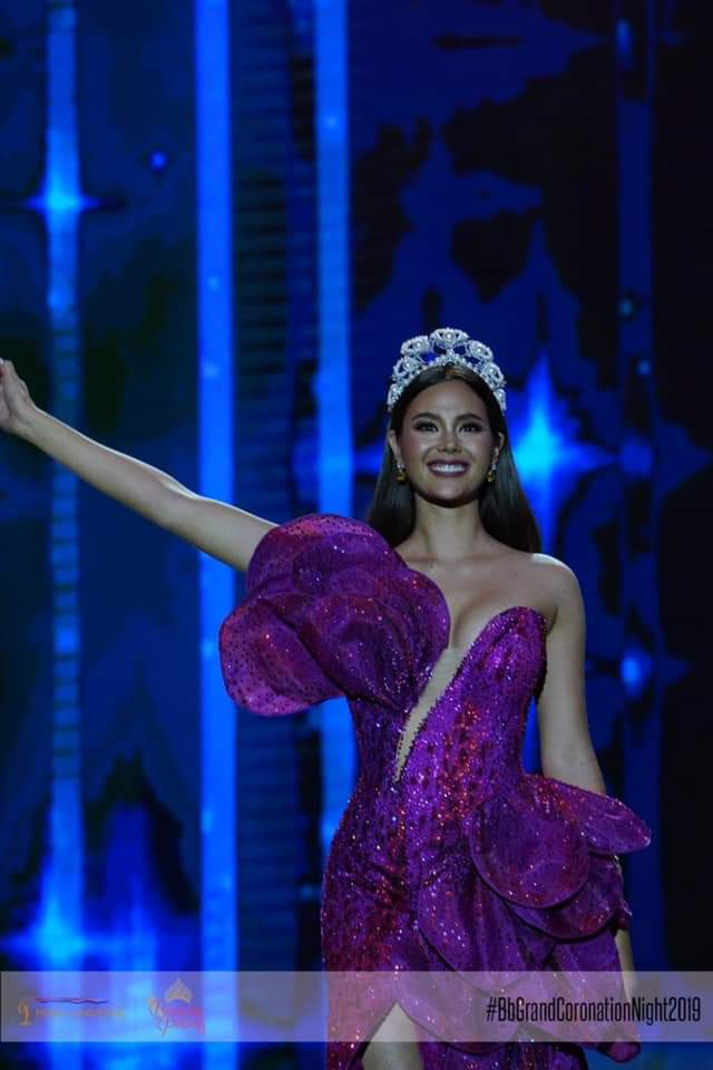 ♔ The Official Thread of MISS UNIVERSE® 2018 Catriona Gray of Philippines ♔ - Page 16 Fb_i9003