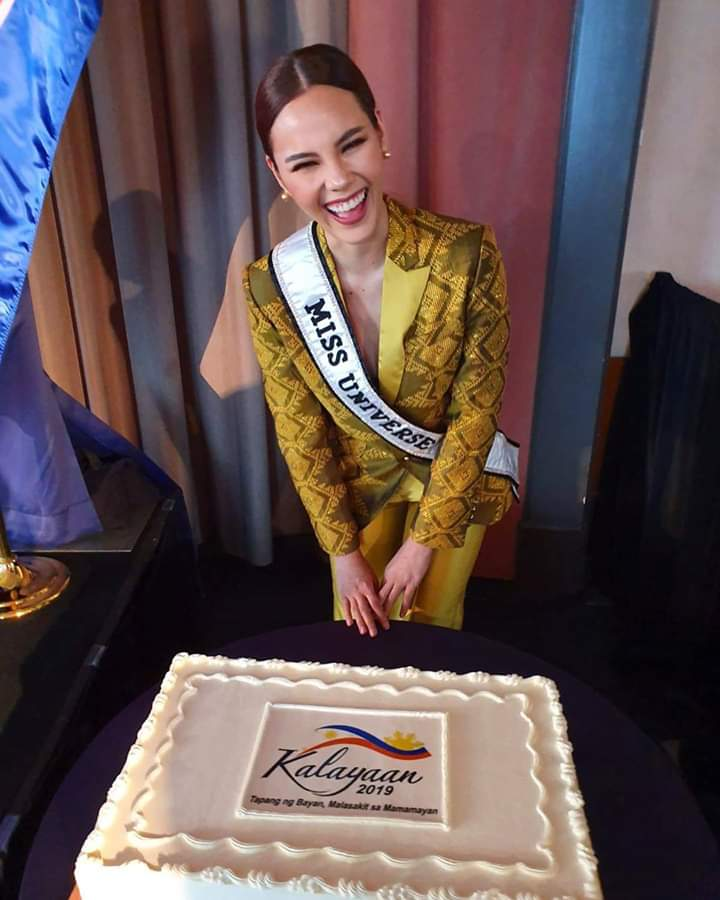 ♔ The Official Thread of MISS UNIVERSE® 2018 Catriona Gray of Philippines ♔ - Page 16 Fb_i9217