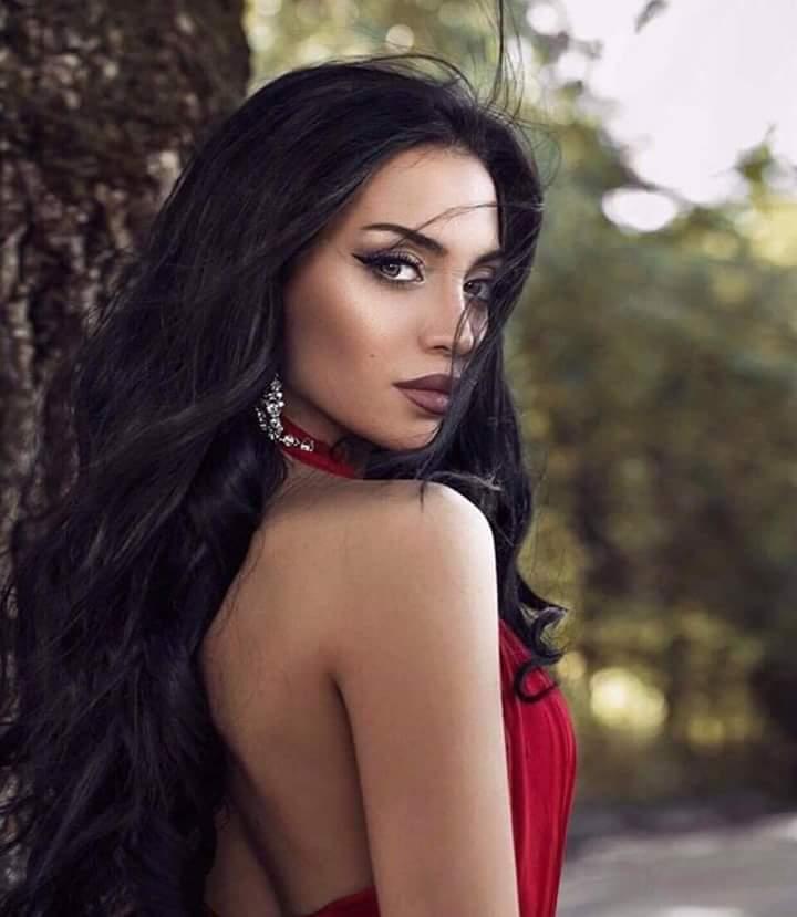 Elisa Muradyan (ARMENIA UNIVERSE 2018) Fb_im754