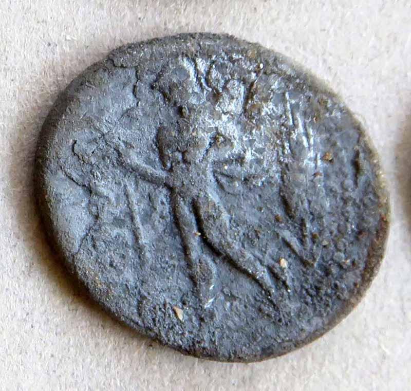 Denier de Lucius Valerius Flaccus. Img_7419