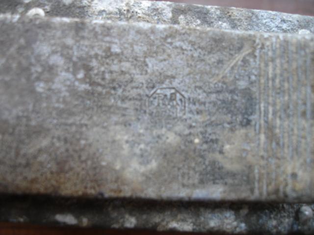 2 objets allemand je pense à identifier Dsc08429