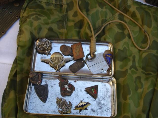 lot tenue parachutiste indochine algérie avec insignes Dsc09147