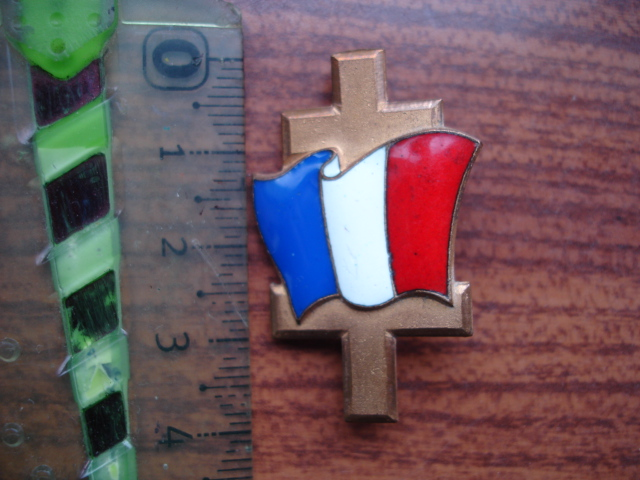 insigne croix de lorraine à identifier Dsc09231