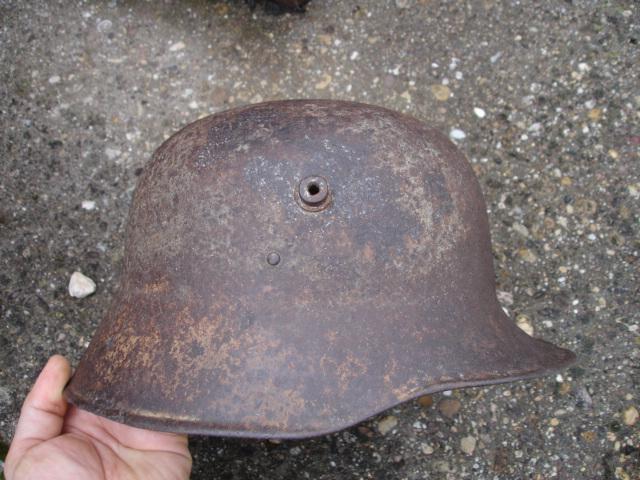 coque de casque allemand ?? à identifier Dsc09628
