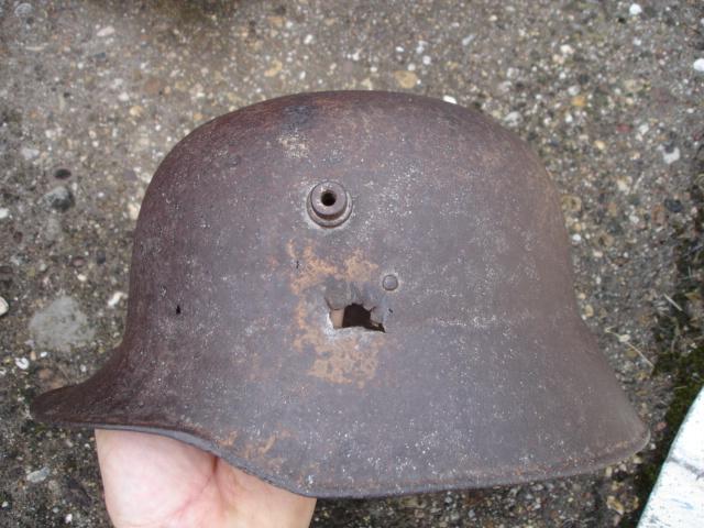 coque de casque allemand ?? à identifier Dsc09629
