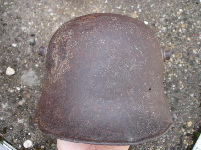 coque de casque allemand ?? à identifier Dsc09631