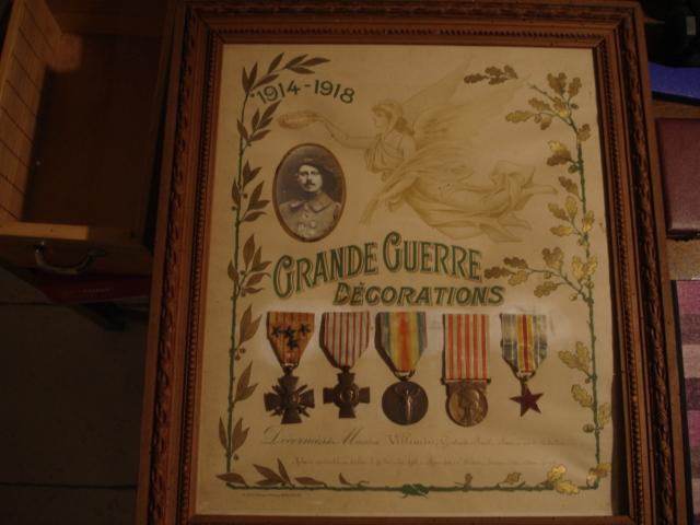 cadre avec médailles 14/18 chasseur Dsc09649