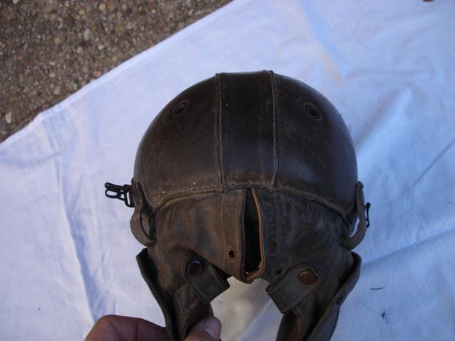 casque aviateur en cuir Dsc09684