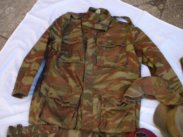 lot tenue parachutiste indochine algérie avec insignes Dsc09694
