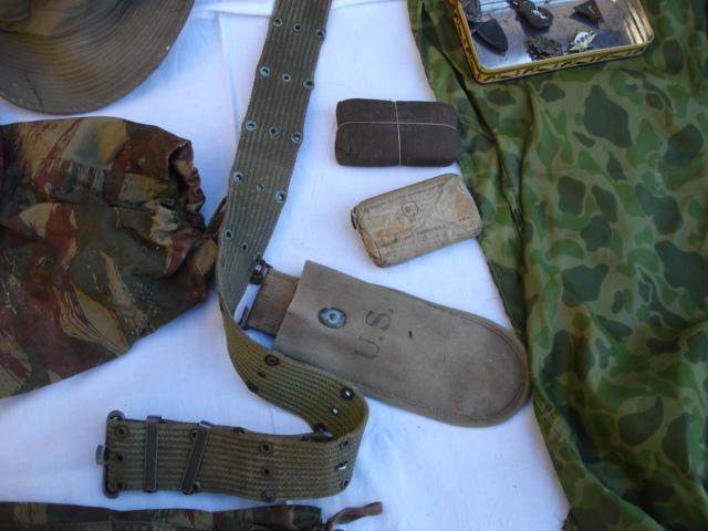 lot tenue parachutiste indochine algérie avec insignes Dsc09698
