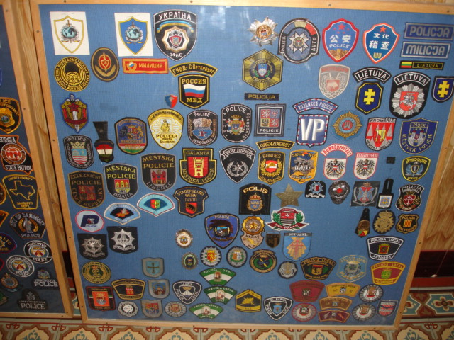 gros lot insignes police us et divers Dsc09941