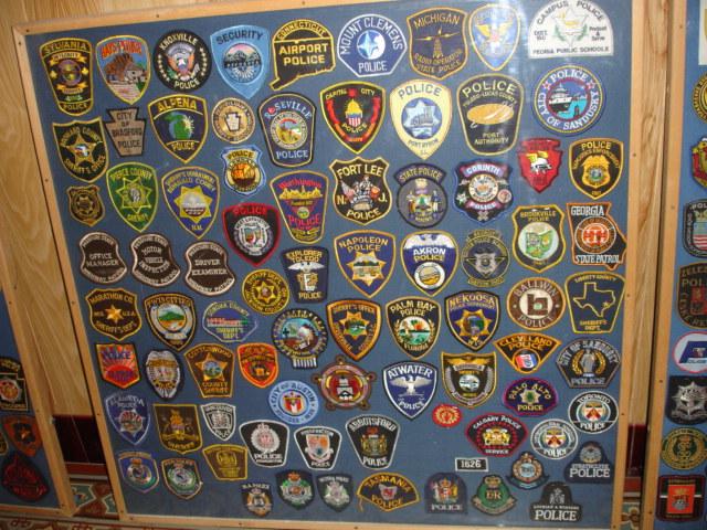 gros lot insignes police us et divers Dsc09944